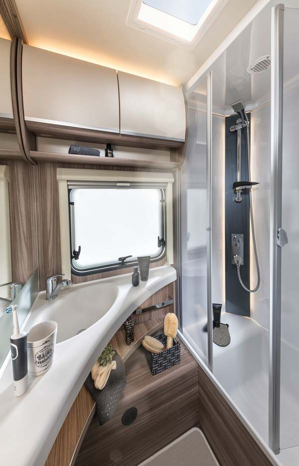 Fendt 2022 larimar 620 sfd salle d'eau